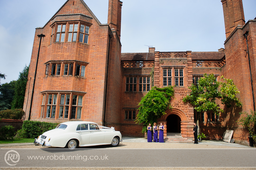 New Place Wedding Photography -The gravel drive is raked into circles for each wedding